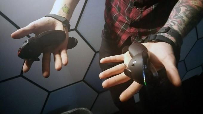 Valve憋大招 不仅有新款遥控器还有新款基站