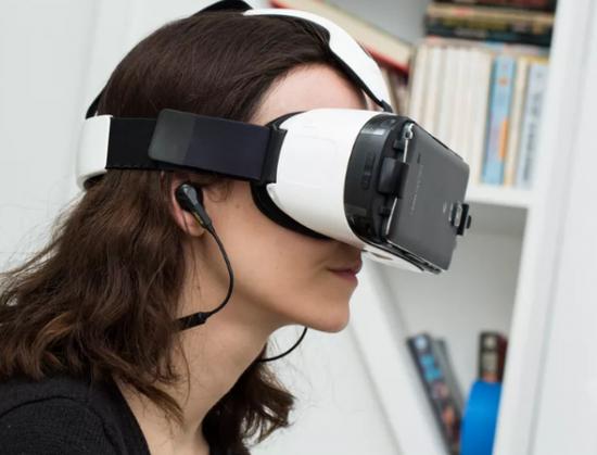 三星:新一代Gear VR即将到来,正在开发自己的HoloLens