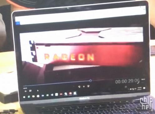 Radeon RX Vega显卡的参考设计图片疑似曝光